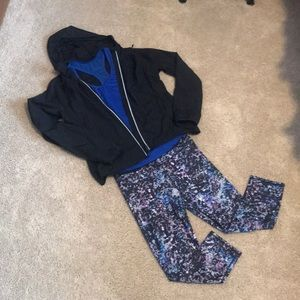 Outfit: fabletics leggings, jacket & Old Navy tank